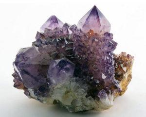 камни в интерьере5